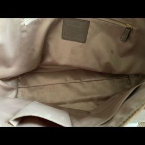 Coach Bags - Coach Tan ladies large Purse/ handbag 19X9